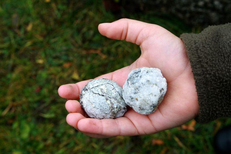 Z geodes 2 hand